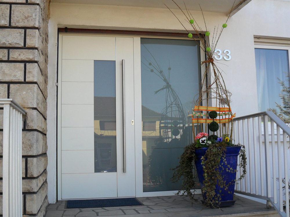Portes d'entrée : Porte d'entrée avec vitre latérale droite
