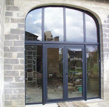 Portes d'entrée : Portes vitrées en arc