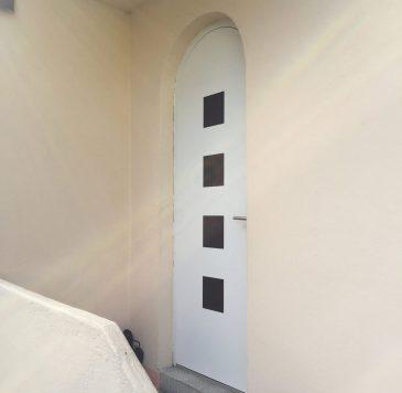 Portes d'entrée : Porte d'entrée arrondi avec carreaux vitrées