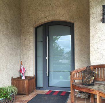 Portes d'entrée : Porte d'entrée vitrée arrondie