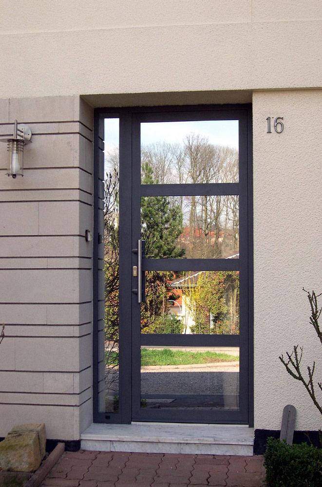 Portes d'entrée : Porte sur-mesure vitrée
