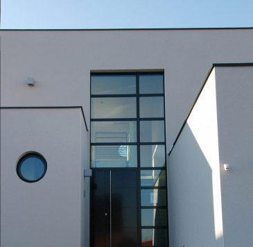 Porte d'entrée - Murs rideaux : Portes d'entrée aluminium pleine avec mur rideau vertical